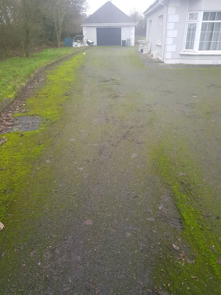 dirty drive way before power-washing by bp painters and decorators